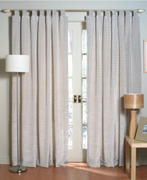 What are the similarities and differences between curtains and drapes